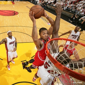 derrick-rose-anthony-dunk-33